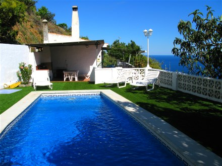 finca el zapo andalusien almunecar ferienhaus mit pool und meerblick. Black Bedroom Furniture Sets. Home Design Ideas
